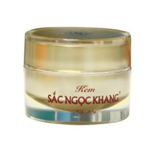 1409731430-kem-sac-ngoc-khang-xuat-hien--2-