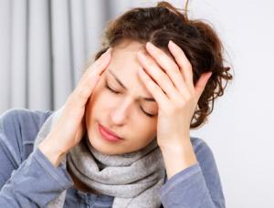 Phụ nữ thường bị đau đầu vì mỏi mắt
