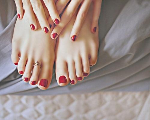 Cách làm cho da chân mịn màng và trắng khỏe