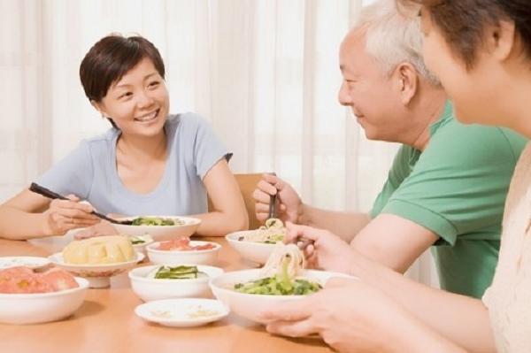 Chế độ dinh dưỡng cho người già