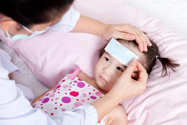 Dấu hiệu nhận biết trẻ bị sốt