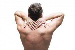 Đau lưng trên và khó thở
